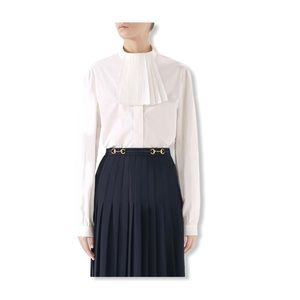 GUCCI pleated removable jabot poplin blouse.